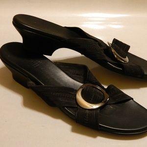 MUNRO AMERICAN Sandals Slides Black Sz 8.5 Narrow